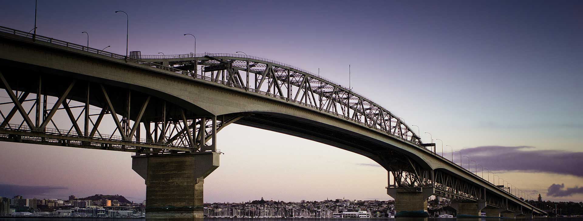 Auckland North Harbour Bridge - Bridge Your Way to Franchise Ownership